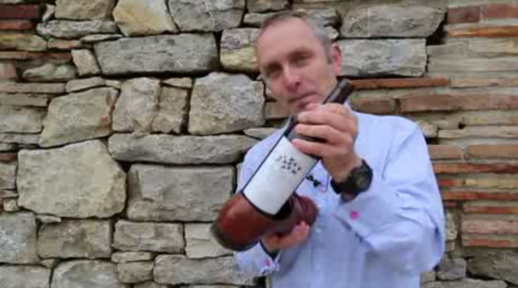 how to open wine bottle with shoes