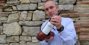 How to open a wine bottle using 'Shoe'
