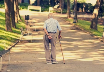 Man of age 85 was fined for crossing the street very slowly