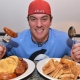 American man ate the heavy breakfast within 12 minutes in a café's food challenge