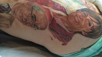 Artist create tattoo of his favorite characters over the wife's leg