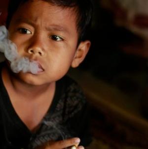 Boy of seven smokes 16 cigarettes a day