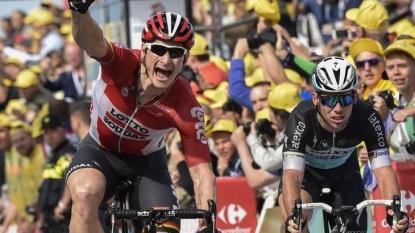 Greipel wins second stage of Tour de France