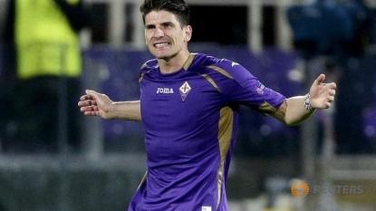 Fiorentina loan Gomez to Besiktas