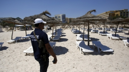 Foreign Office tells all British tourists to leave Tunisia