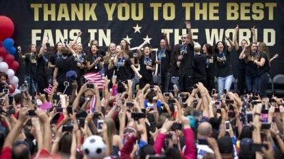 Lauren Holiday plans to retire from US women's national team | HeraldTribune