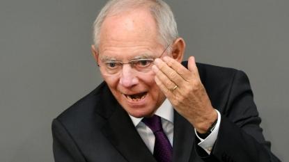 Merkel urges German Parliament to back Greek talks