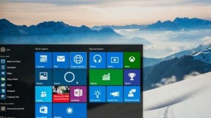 PC shipments decline worldwide as market readies