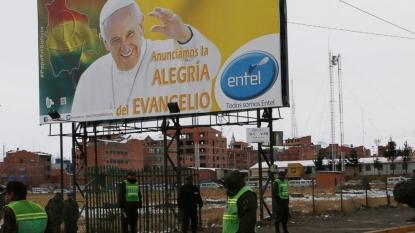 Pope Francis returns to Ecuadorean capital