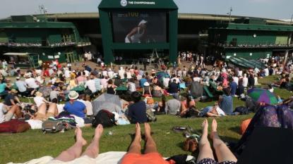 Wimbledon: Djokovic dominates Tomic – 07-03