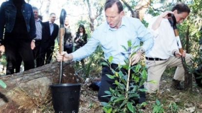 Tony Abbott backs Mike Baird's call to raise GST to 15%