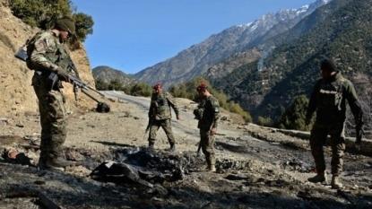 Trend: 3 soldiers killed, 6 injured in NW Pakistan blast