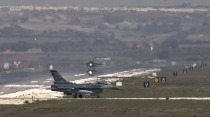 Turkish jets strike IS targets in Syria