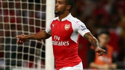 Walcott keen on Arsenal stay