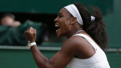 Williams keeps 'Serena Slam' hopes alive