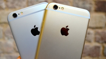 Apple offers free camera replacement on defective iPhones