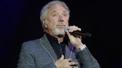 Sir Tom Jones: BBC boss apologises for upsetting singer over Voice axe