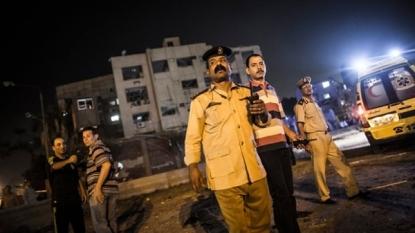 Blast rocks Cairo; 6 policemen injured
