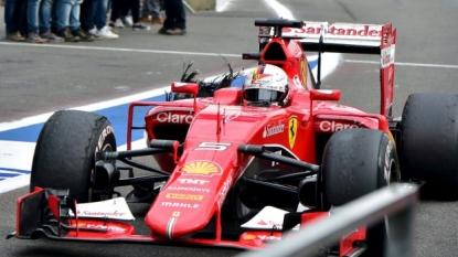 Sebastian Vettel says Pirelli tyre failure unacceptable