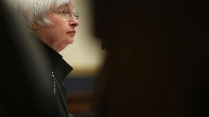 Fed keeps interest rates near zero