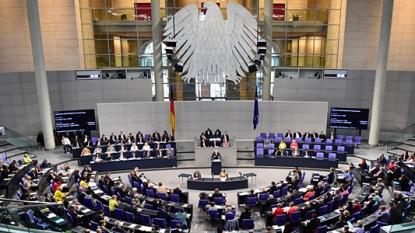 German Lawmakers Debate Greek Bailout, Merkel Faces Rebellion