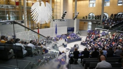 German MPs endorse 3rd Greek bailout