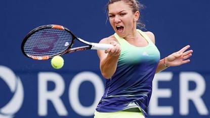Halep beats Radwanska to reach Toronto semfinals