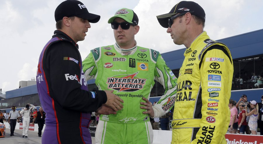 Kenseth wins from pole in dominant fashion at Michigan