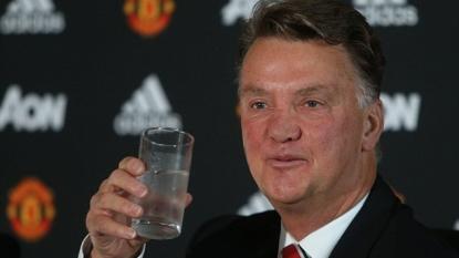 Manchester United manager Louis van Gaal backs Wayne Rooney to score goals