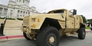 Pentagon taps Oshkosh to build next Humvee