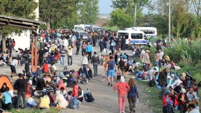 Croatia closes Serbian border