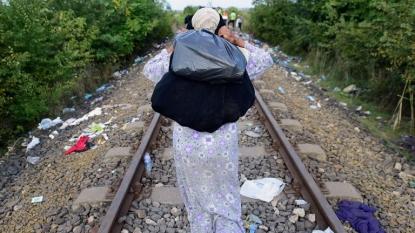 Croatia to redirect refugees to Hungary border