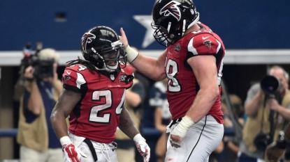 Fill-in Freeman, Falcons beat Romo sub Weeden, Cowboys 39-28