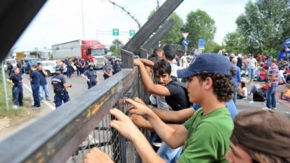 German, Austrian Leaders Urge EU Summit to Discuss Migrant Crisis