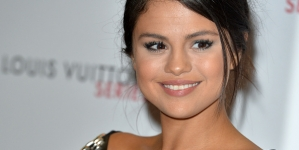 Gomez unveils music video featuring fans