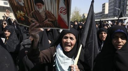 Iran blames Saudi Arabia for over 700 killed in hajj crush