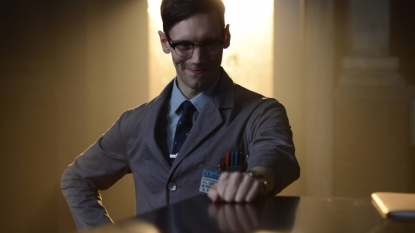 "Gotham ""Rise of the Villains: Knock, Knock"" Season 2 Episode 2"