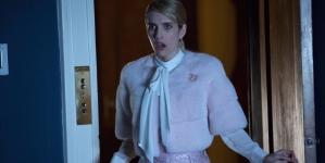 'Scream Queens' Stars Abigail Breslin, Billie Lourd Get Goofy on Kappa Couch