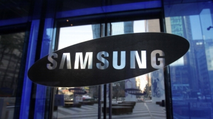 Samsung phone with foldable display reportedly in testing ahead of January debut