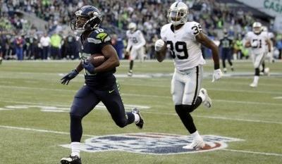 Seahawks' Tyler Lockett scores on 63-yard touchdown reception