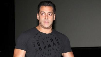 "Shah Rukh welcome on ""Bigg Boss"", says Salman"