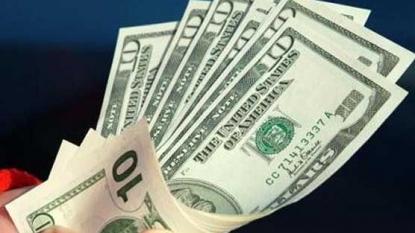 US stocks slump as investors mull Fed's rate decision