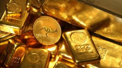 Gold price slips lower, dollar strength caps rally