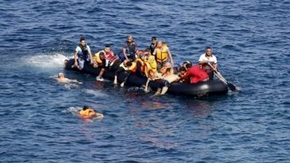 Thirteen migrants die off Turkish coast on way to Greece