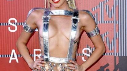 Swift slammed for 'offensive, racist' video