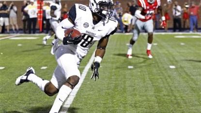 Vanderbilt falls to No. 3 Mississippi 27-16