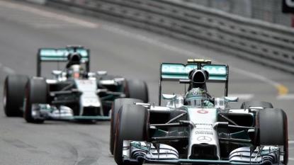 Vettel claims Ferrari's first pole since 2012