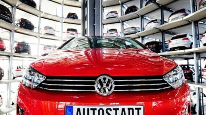 Volkswagen to name Porsche's Matthias Muller new chief executive after Martin