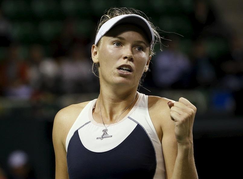 Wozniacki sets up Tokyo semifinal against Bencic