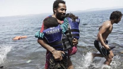 13 die as refugee boat sinks off Turkey's Aegean coast